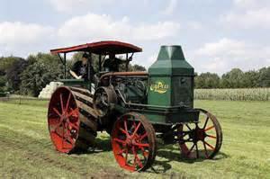 je vous presente le tracteur Advance-Rumely