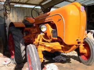 je vous presente le tracteur allgaier