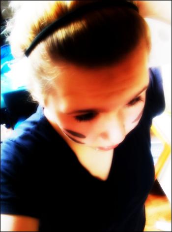 C'est parfois dans un regard ou dans un sourire, que sont cacher les mots que l'on a jamais su dire. ♥