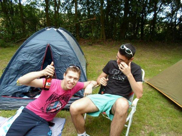 vive le camping avec les potes :D