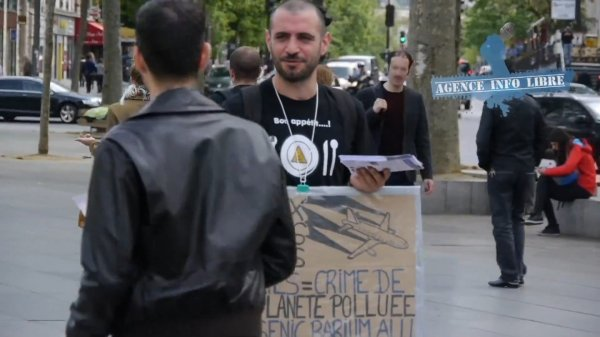 MANIFESTATION ANTI-CHEMTRAILS Paris 25/04/2015