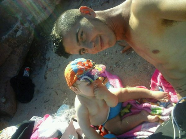 Moi et mom neuveu a la mer :)