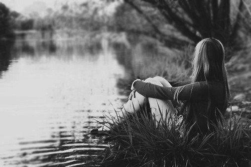 « Et le pire dans tout ça c'est que je ne cesse de garder espoir qu'un jour tu seras à moi, rien qu'à moi. Et que tu me dises ce que je veux entendre depuis si longtemps...»
