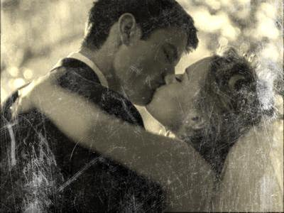 Ces larmes qui coulent pour toi sont des petites parties de mon c½ur que je t'envoie... Elles sont remplies de regrets, de manque, mais surtout d'amour...