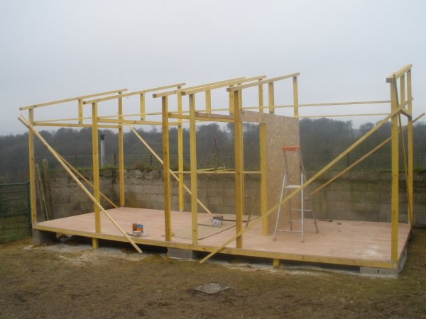CONSTRUCTION DE MON  NOUVEAU PIGEONNIER (PARTIE 5)