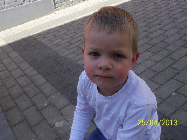 mon petit dernier qui a 4 ans