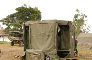 remorque douche de campagne les militaire. Black Bedroom Furniture Sets. Home Design Ideas