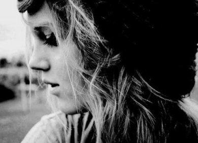 """""""Pourquoi je suis malheureuse même quand tout va bien? Pourquoi j'ai autant de mal à y croire?"""""""