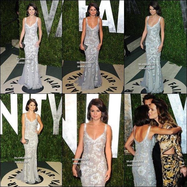 .  Le 26/02/12/. Selena Gomez était aux Oscars .