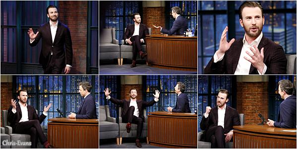 """● 6 Avril 2017 : Chris Evans c'est rendus a l'émission de """"Late Night With Seth Meyers"""" qui est à New York. Et me soir c'était l'avant-premiere du film """"Gifted"""" toujours à New York. J'aime beaucoup comment il est habillé. Un TOP !"""