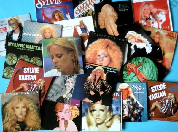 voici il y a quelques jours que l'ultimate de Sylvie Vartan est fini , j'ai enfin toute la discographie de Sylvie dans ce beau coffret
