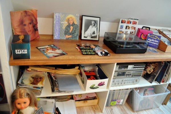 mon petit musée sylvie vartan prend forme , mon paradis  a moi c'est ici ..