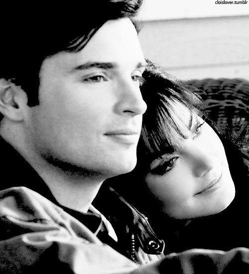 Je t'aime, toi tout entier avec tes défauts a la con et tes qualités. Avec tes crises de jalousie et tes heures scotcher a ta console. Toi, tout entier comme tu es et pas autrement.