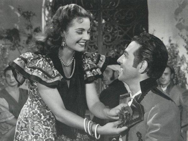 Carmen Sevilla et Luis Mariano dans «Violettes impériales» de Richard