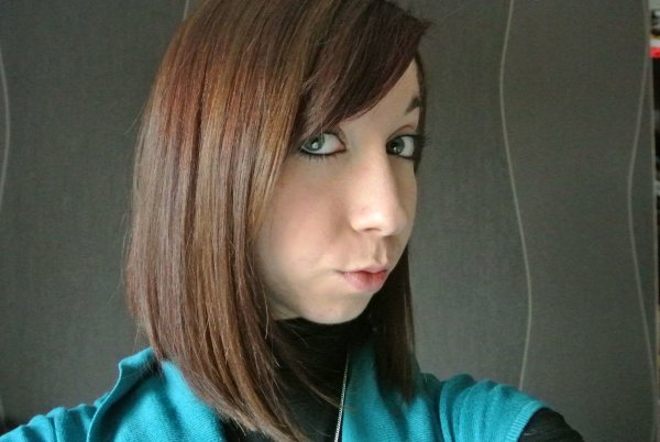 Lydia       19 ans       </3
