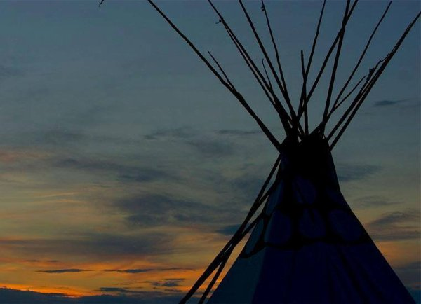 Wyoming coucher du soleil près des Black Hills, photo par Walter G. Arce.