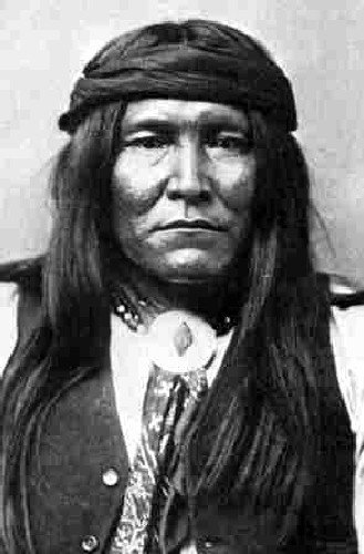 Les Apaches toujours en lutte contre le génocide de leur nation…