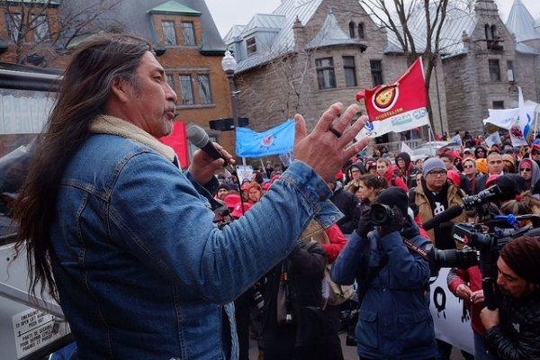 Les Iroquois du Québec prêts à ériger des barricades pour stopper un projet d'oléoduc