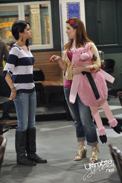 Les Sorciers de Waverly Place > Saison 04 > Episodes Stills > 4.06 - La petite Fille de Papa