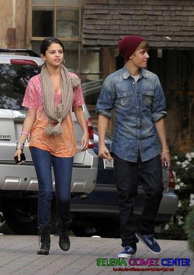 Selena Gomez au restaurent avec Justin Bieber