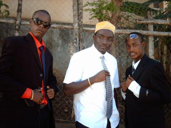 Toujour moi accompagné de The mbaba et piter