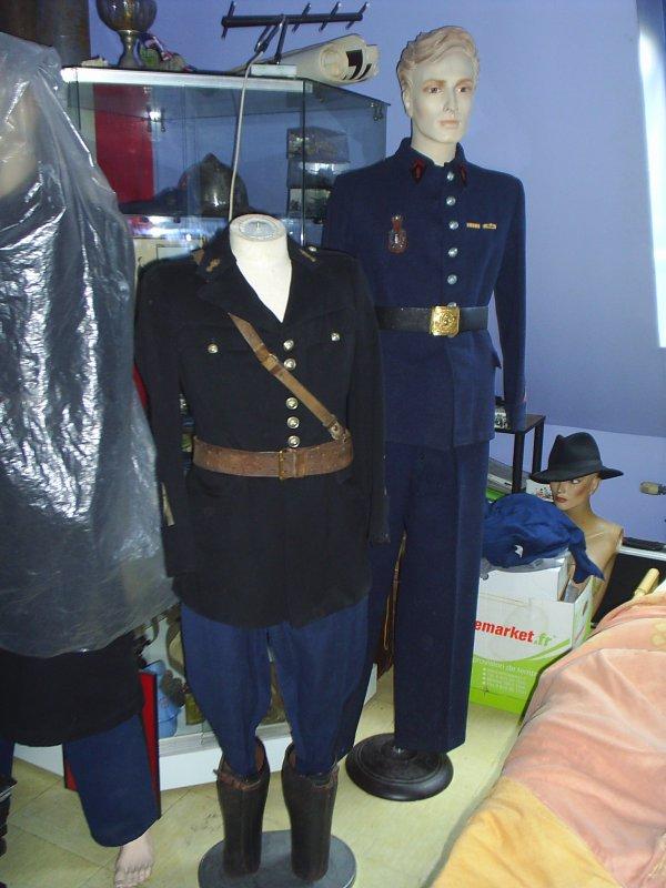 petite vue de mes uniformes gendarme & pompier