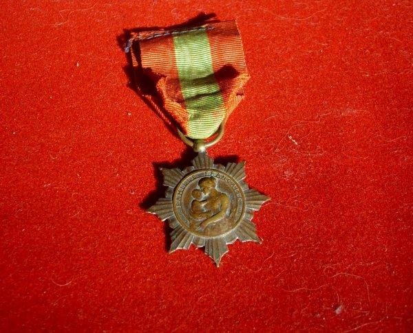 médaille famille française