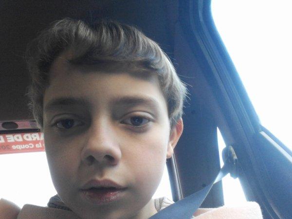 02.12.2012 - Dylan dans l'auto