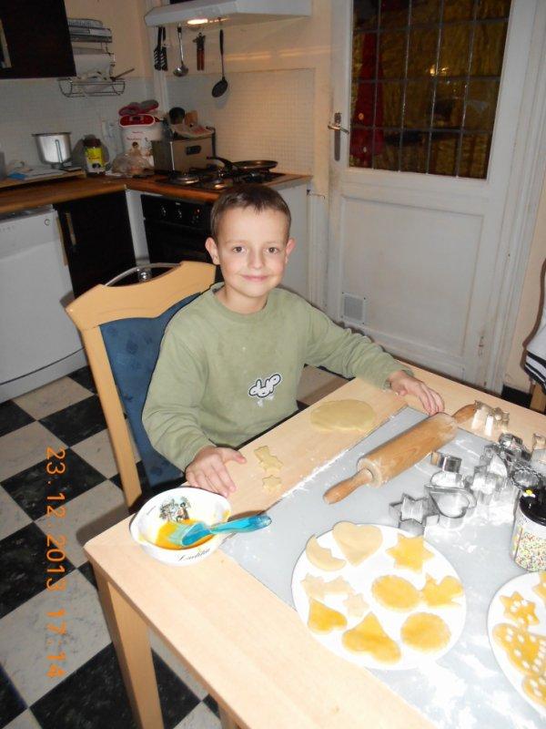 23.12.2013 - Préparation des biscuits de Noël 2013