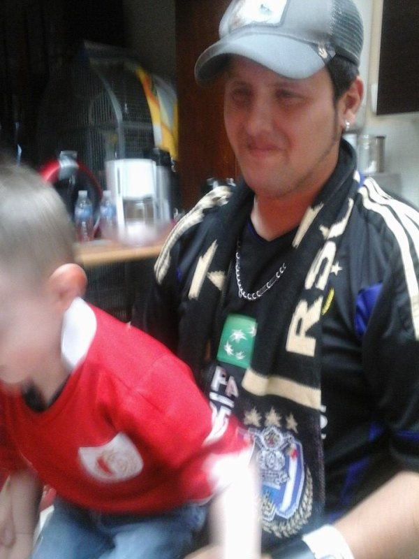 30.03.2014 - Mon neveu Lucas sur son papa