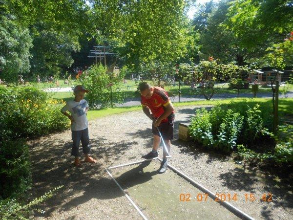 02.07.2014 - Excellente journée au parc du château d'Estaimbourg