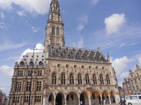 09.08.2014 - Tourisme: Visite de la ville d'Arras (62)