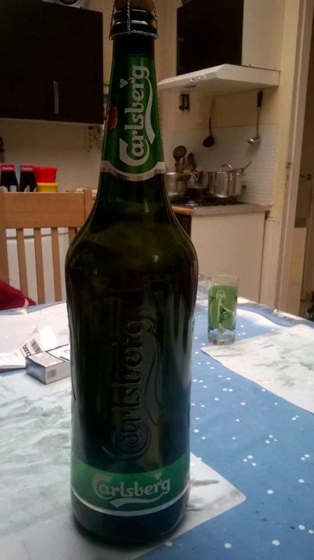 08.08.2015 - Visite de Jiicé à Mouscron avec sa bouteille de Calsberg de 3 litres