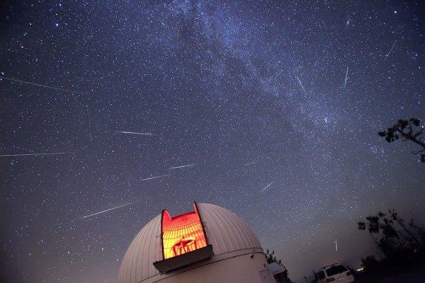 -> Les Perséides : une pluie d'étoiles filantes va traverser le ciel ce week end