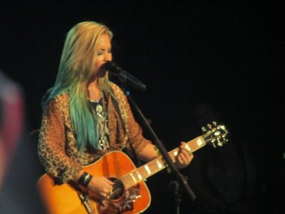 Demi lors d'un concert à Springfield !!!! !!!!