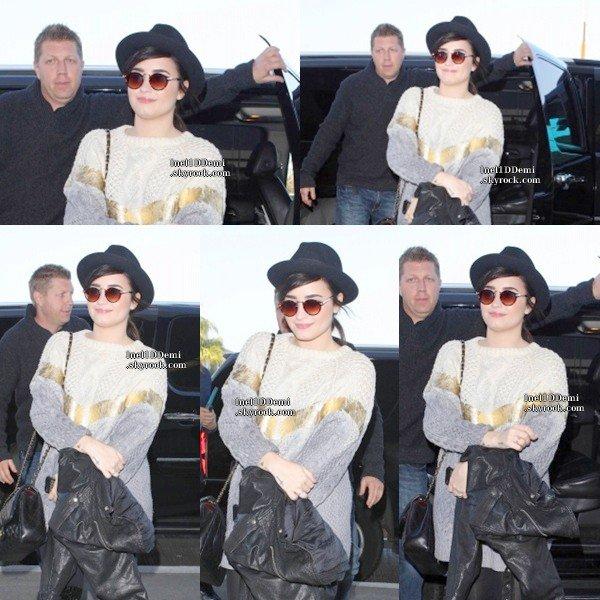 1° Candid: Demi a été aperçut a l'aéroport de Los Angeles, pour partir à Washington. Top / Flop ?  2° Candids: Voilà une Demi fatigué, arrivée sur place (Washington).