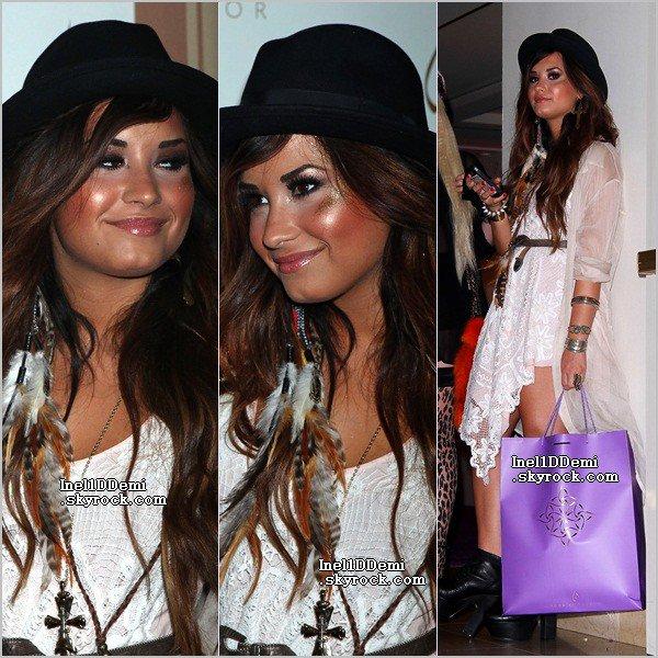 Demi était présente a un diner organisé par Noon By Noor . Top Ou Flop ?