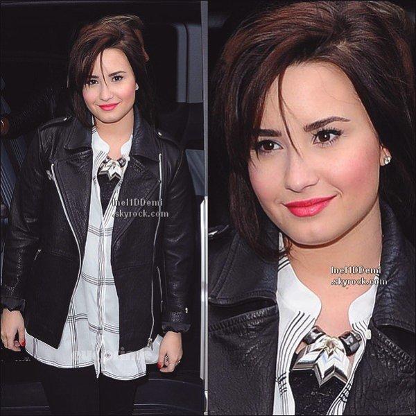 Le 17.02.13 : Demi s'est rendue aux défilé de TopShop, à Londres