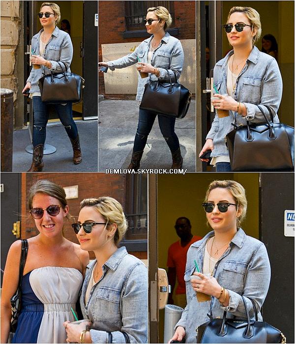 Demi a été vu quittant son hôtel le 18 Juillet 2013, à Philadelphie, en Pennsylvanie. Top/Flop ?