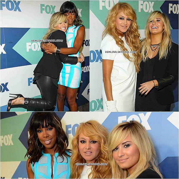 01.08.13 : Demi et les autres Jury de X-Factor étaient aux TCA Tour.