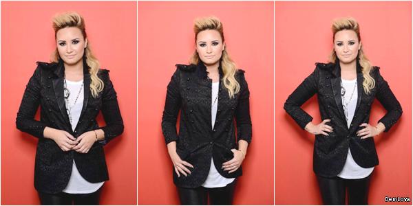 Le 11 Août, Demi était présente au Teen Choice Awards 2013 qui s'est déroulé à Universal City.