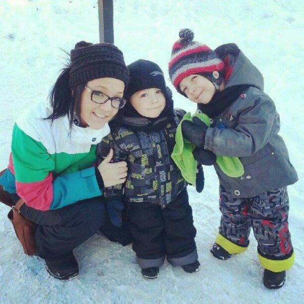 ma grande soeur et mes deux neveux