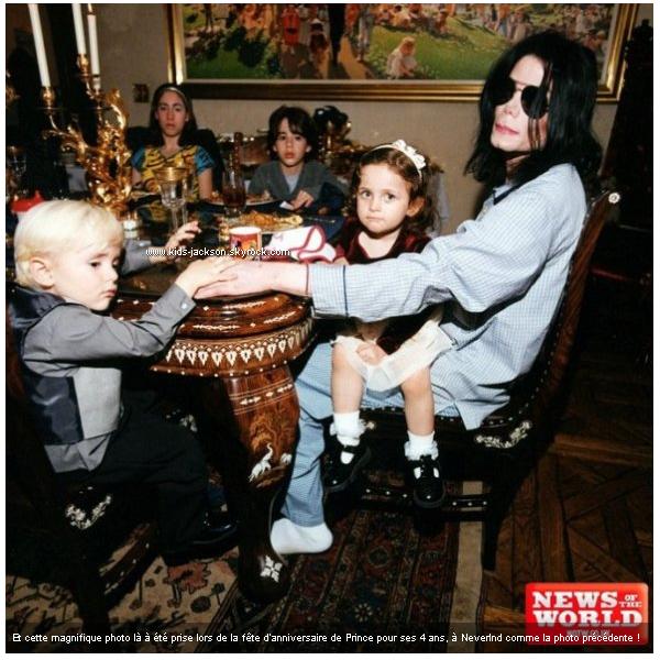 * Voici deux magnifiques photos de Michael, Prince et Paris datant de 1998 et 2001 à Neverland !*