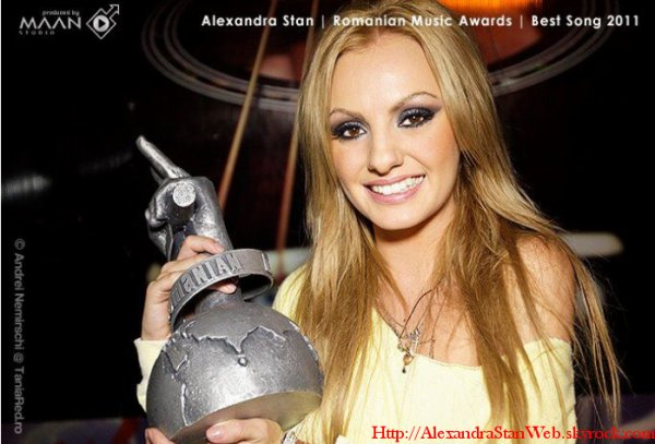 Alexandra Gagne 1 prix aux Romanian Music Awards ... Voici la photo !
