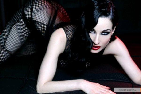 hot goth!!