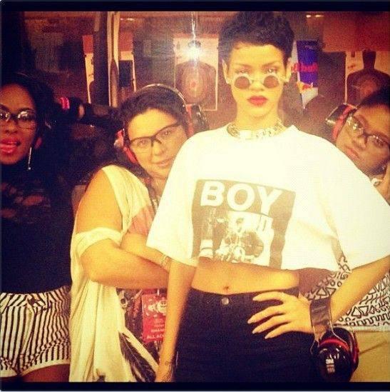 BIGGEST PROJET: Rihanna 7-Blog Tour