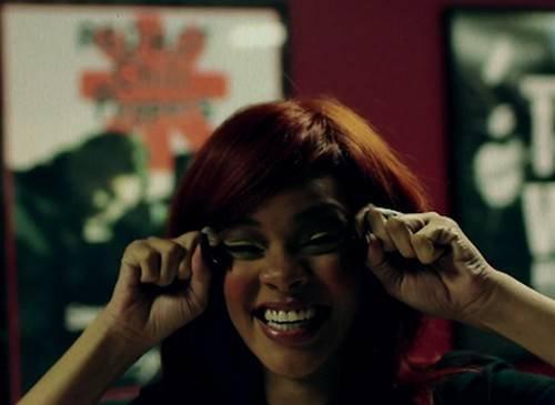Rihanna en Mode: Grimace !