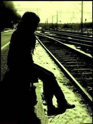 Pour toi ; tout n'étais que des simples mots , des simples paroles , des simples je t'aime , des simples sms , des simples câlins , des simples délirs ! Mais pour moi tout était différent , j'étais heureuse d'avoir ces moments avec toi :$ ♥ :(