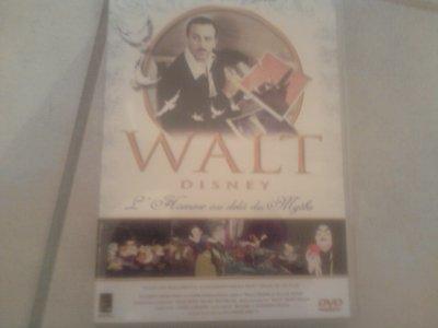 Et voici un autre trésor la biographie officielle de WALT DISNEY!!