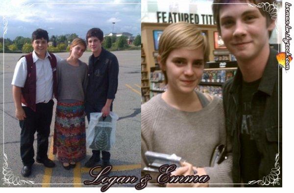 h15 mai ~ Logan a été photographié en compagnie d'Emma Watson (sa co-star dans The Perks) alors qu'ils se trouvaient tous les deux dans la librairie Barnes et Nobel à Pittsburg, et en dehors avec un fan probablement ! h